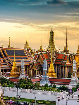 wat-phra-kaeo-bangkok-panorama