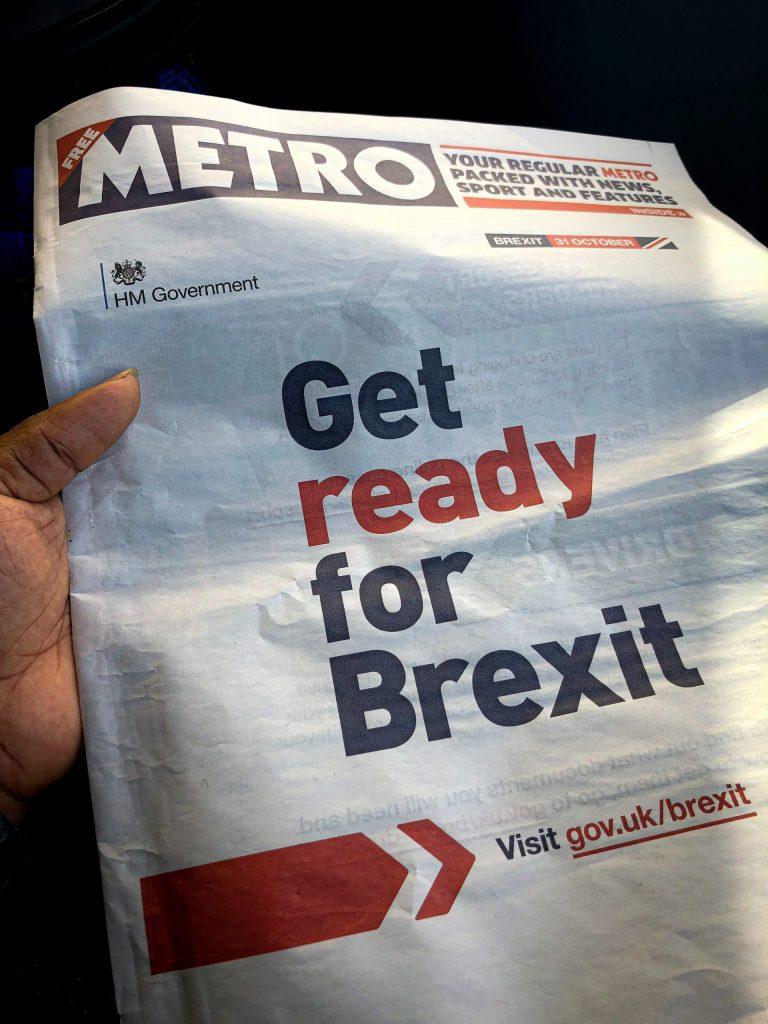 Un journal avec une une sur le Brexit